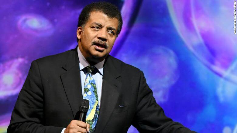 Neil deGrasse Tyson Shows Lack Of Knowledge While Commenting on UFOs