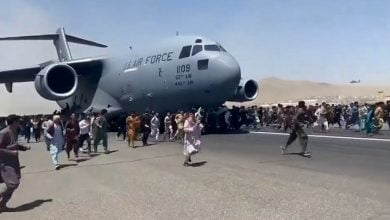 """""""Utter Desperation"""" – Body Count Rises As Terrified Afghans Mob Tarmac At Kabul Airport, Cling To Departing Planes"""
