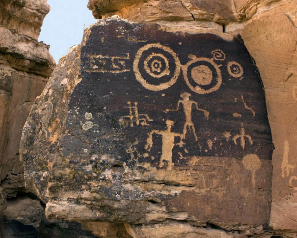 Flying Shield cave art of Hopi